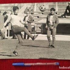 Collectionnisme sportif: F898 FOTO FOTOGRAFIA ORIGINAL DE PRENSA GIANNI RIVERA MILAN ITALIA ENTRENAMIENTO. Lote 189757468