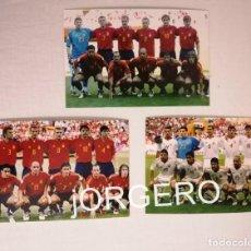 Coleccionismo deportivo: SELECCIÓN ESPAÑOLA DE FÚTBOL. LOTE 3 FOTOS ALINEACIONES EN LA EUROCOPA 2004 DE PORTUGAL. Lote 211905131