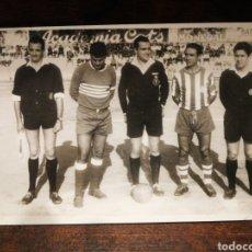 Coleccionismo deportivo: FOTOGRAFÍA ORIGINAL FUTBOL CATALÀ C. F. VILANOVA (VILANOVA I LA GELTRÚ), FOTÓGRAFO HORRO, 1964.. Lote 191214531