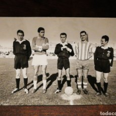 Coleccionismo deportivo: FOTOGRAFÍA ORIGINAL FUTBOL CATALÀ C. F. VILANOVA (VILANOVA I LA GELTRÚ), FOTÓGRAFO HORRO, 1965.. Lote 191214990