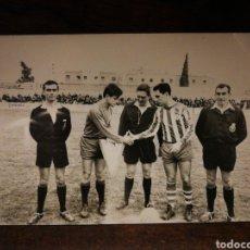 Coleccionismo deportivo: FOTOGRAFÍA ORIGINAL FUTBOL CATALÀ C. F. VILANOVA (VILANOVA I LA GELTRÚ), FOTÓGRAFO HORRO, 1965.. Lote 191215096