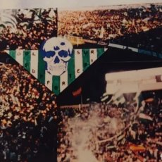 Coleccionismo deportivo: FOTOGRAFÍA ORIGINAL FOTOMONTAJE ULTRAS AÑOS 80. Lote 191535487