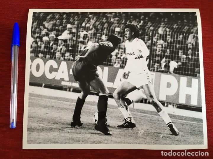 F1828 FOTO FOTOGRAFIA ORIGINAL DE PRENSA REAL MADRID 3-1 BARCELONA (8-3-1986) VALDANO (Coleccionismo Deportivo - Documentos - Fotografías de Deportes)