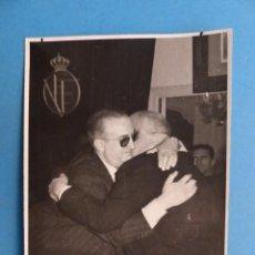 Coleccionismo deportivo: VALENCIA, FOTOGRAFIA FUTBOL, PRESIDENTE LUIS CASANOVA - AÑOS 1950-60 - FINEZAS. Lote 193174535