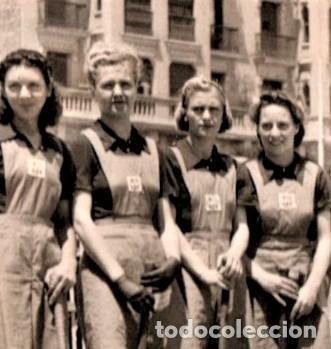 Coleccionismo deportivo: FUTBOL CLUB BARCELONA,BARÇA,FOTOGRAFIA Y ESCUDO ORIGINAL,PRIMER EQUIPO DE HOCKEY FEMENINO AÑOS 30 - Foto 3 - 194069231
