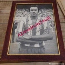 Coleccionismo deportivo: MAGNIFICA FOTOGRAFIA DEL JUGADOR DEL ATLETICO DE MADRID, EUSEBIO,AUTOGRAFO ORIGINAL,21X27 CMS. Lote 194119937