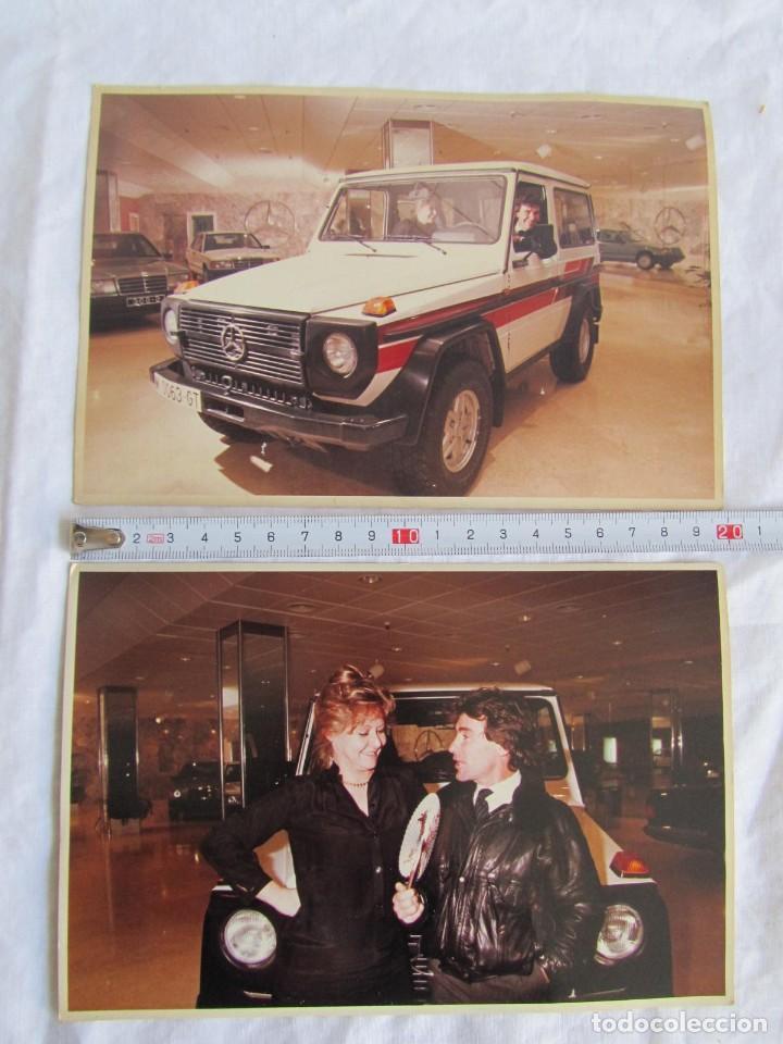 Coleccionismo deportivo: 3 fotografías de Angel Nieto en concesionario de coches Mercedes - Foto 2 - 194187762