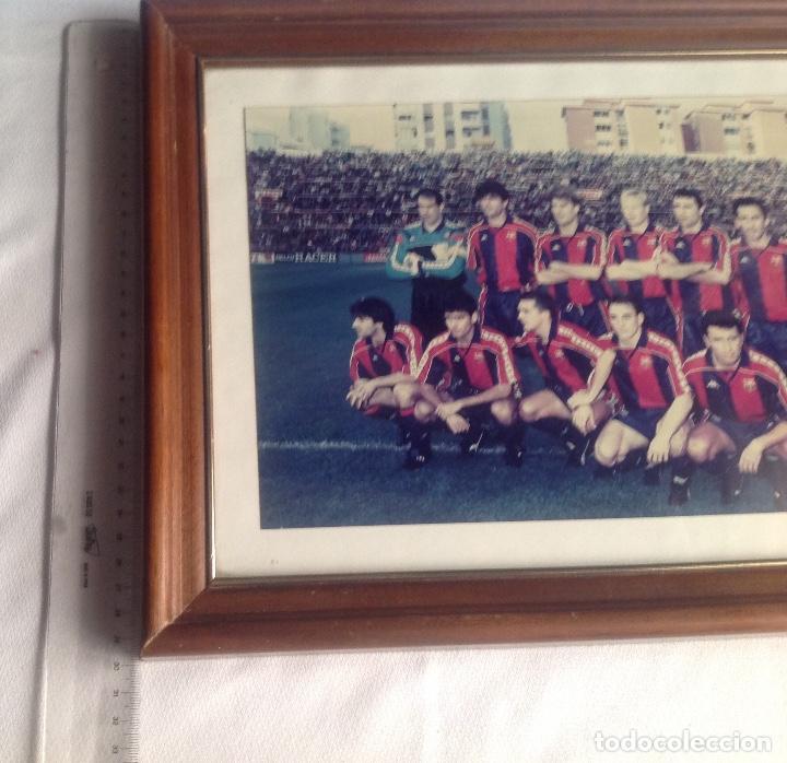 Coleccionismo deportivo: ANTIGUA FOTO FÚTBOL CLUB FC BARCELONA F.C BARCA, CON SU CUADRO. - Foto 6 - 194229662