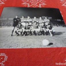 Coleccionismo deportivo: FOTO (15 X 20) LIGA 1972-73 ESPAÑOL 0 ATH.BILBAO 0 -CON IRIBAR. Lote 194658696