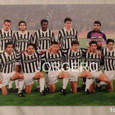 Coleccionismo deportivo: JUVENTUS DE TURÍN. ALINEACIÓN CAMPEÓN COPA UEFA 1992-1993 EN DELLE ALPI CONTRA BORUSSIA D. FOTO. Lote 194901755