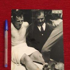 Coleccionismo deportivo: F3483 FOTO FOTOGRAFIA ORIGINAL DE PRENSA GALLEGO BARCELONA (9-5-1968). Lote 194968241
