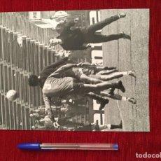 Coleccionismo deportivo: F3493 FOTO FOTOGRAFIA ORIGINAL DE PRENSA GALLEGO (23-1-1974) ENTRENAMIENTO SELECCION ESPAÑOLA ESPAÑA. Lote 194968851