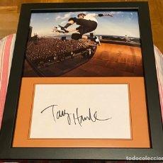 Coleccionismo deportivo: FOTOGRAFÍA TONY HAWK ENMARCADA. Lote 194972641