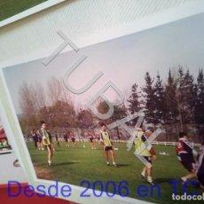 Coleccionismo deportivo: TUBAL ATHLETIC BILBAO ENTRENAMIENTO JUAN JOSE VALENCIA Y OTROS 1994 FOTOGRAFIA AGFA B49. Lote 195276221