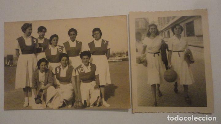 DOS ANTIGUAS FOTOGRAFIAS.DEPORTE.FUTBOL? FEMENINO.CHICAS.FOTO PALOMO.CORDOBA AÑOS 50? (Coleccionismo Deportivo - Documentos - Fotografías de Deportes)