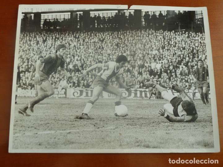 REAL CLUB DEPORTIVO ESPAÑOL FUTBOL CLUB BARCELONA SOLSONA MIGUELI FOTO ORIGINAL PEREZ DE ROZAS (Coleccionismo Deportivo - Documentos - Fotografías de Deportes)