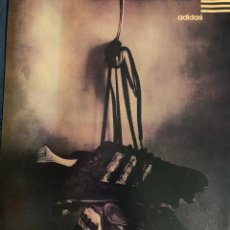 Coleccionismo deportivo: PUBLICIDAD DE ADIDAS. BOTAS DE FÚTBOL. ORIGINAL 1998. TAMAÑO FOLIO. ENMARCABLE.. Lote 195405286