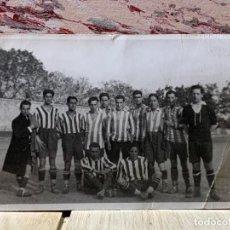 Coleccionismo deportivo: FOTOGRAFIA ATLETICO DE MADRID ALINEACION AÑOS 20 AVIACION LUIS OLASO MIEG ECHEVARRIA 9 X14 PPIO S XX. Lote 201777645