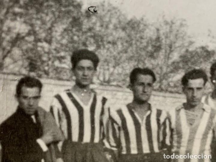 Coleccionismo deportivo: FOTOGRAFIA ATLETICO DE MADRID ALINEACION AÑOS 20 AVIACION LUIS OLASO MIEG ECHEVARRIA 9 X14 ppio s XX - Foto 5 - 201777645