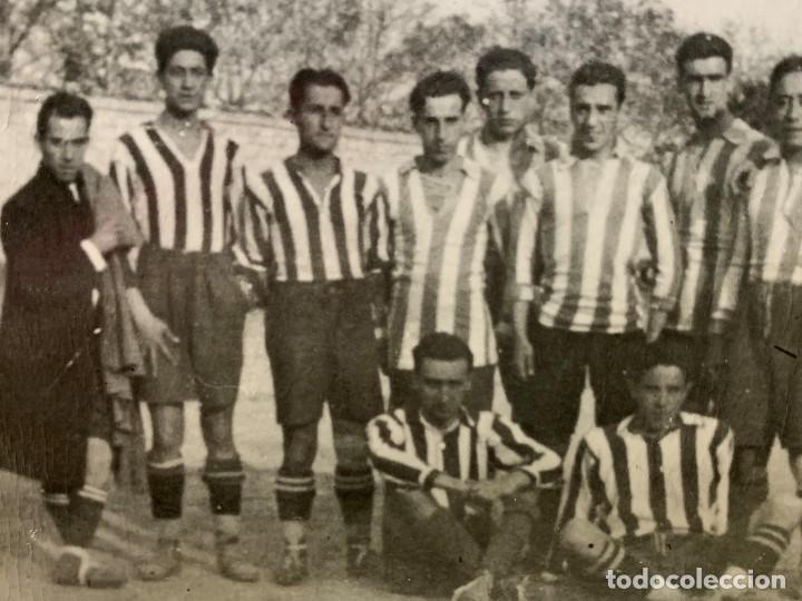 Coleccionismo deportivo: FOTOGRAFIA ATLETICO DE MADRID ALINEACION AÑOS 20 AVIACION LUIS OLASO MIEG ECHEVARRIA 9 X14 ppio s XX - Foto 6 - 201777645