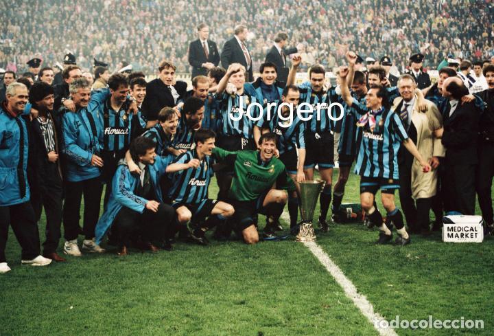 INTER DE MILÁN. CAMPEÓN COPA UEFA 1993-1994 EN MILÁN CONTRA CASINO SALZBURGO. FOTO (Coleccionismo Deportivo - Documentos - Fotografías de Deportes)