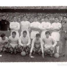 Coleccionismo deportivo: REAL MADRID.- 1969. FOTO A. BURILLO. 17,5X12.. Lote 204480213