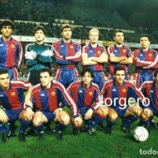 Coleccionismo deportivo: F.C. BARCELONA. ALINEACIÓN PARTIDO COPA DEL REY 1993-1994 EN EL MOLINÓN CONTRA S. GIJÓN. FOTO. Lote 206950711