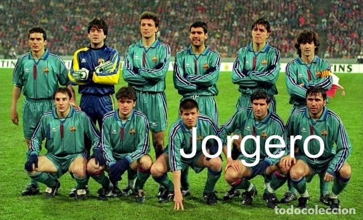 F.C. BARCELONA. ALINEACIÓN PARTIDO COPA UEFA 1995-1996 EN EL E. OLÍMPICO CONTRA BAYERN MUNICH. FOTO (Coleccionismo Deportivo - Documentos - Fotografías de Deportes)