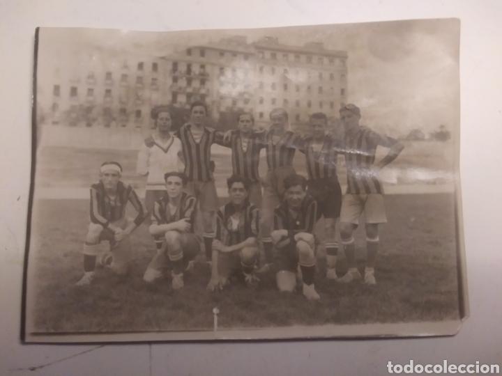 Coleccionismo deportivo: EQUIPO DEL COLEGIO DE LA INMACULADA DE ARENEROS - Foto 2 - 210609487