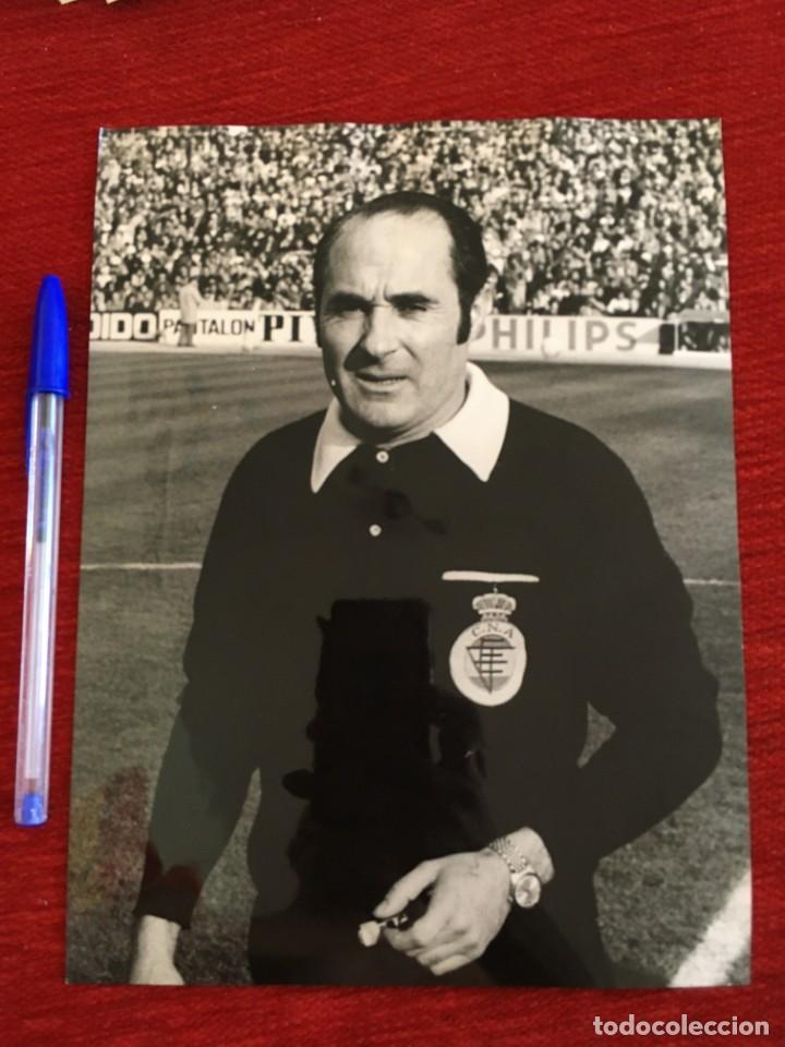 F8649 FOTO FOTOGRAFIA ORIGINAL DE PRENSA ARBITRO COLEGIADO JOSE LUIS OLAVARRIA (Coleccionismo Deportivo - Documentos - Fotografías de Deportes)