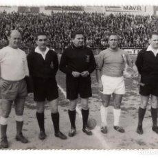 Coleccionismo deportivo: JUGADORES Y ARBITROS. CASAR, PINTO, ASENSI, G. ALONSO Y FERNÁNDO. 17,5X12.. Lote 215032123