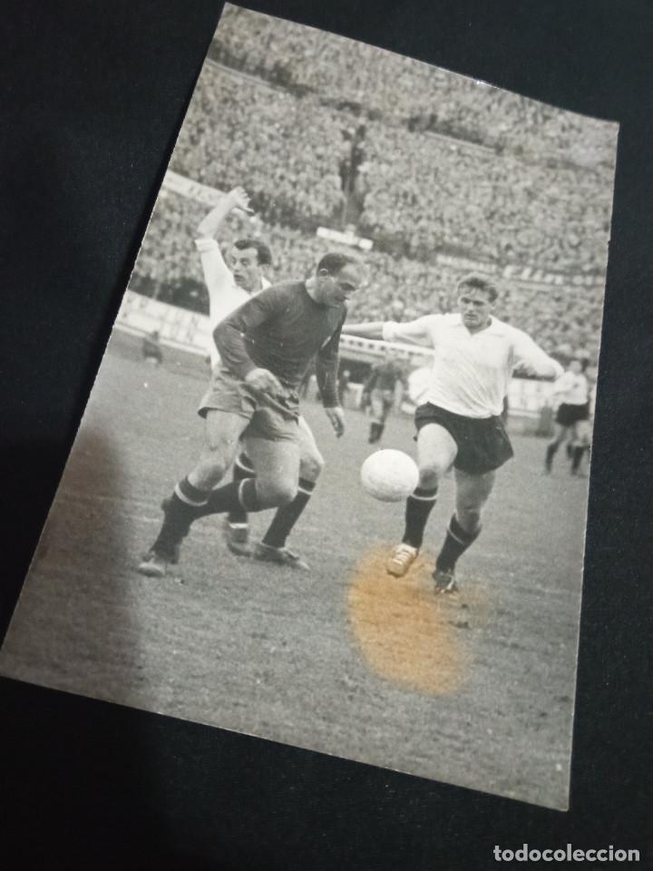FOTOGRAFÍA PRENSA DE DI STEFANO JUGANDO CON LA SELECCIÓN ESPAÑOLA (Coleccionismo Deportivo - Documentos - Fotografías de Deportes)