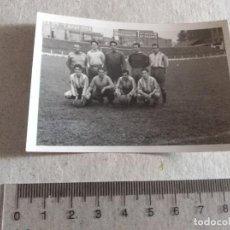 Coleccionismo deportivo: FOTOGRAFIA SAN ANDRES ANDREU BARCELONA FUTBOL AÑOS 40 JUGADORES ENTRENADOR. Lote 217355036
