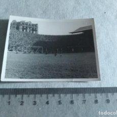 Coleccionismo deportivo: FOTOGRAFIA JUGADORES REAL VALLADOLID BARCELONA FUTBOL TEMP. 46 -47 LEER. Lote 217363305