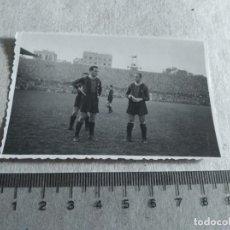 Coleccionismo deportivo: FOTOGRAFIA ORIGINAL JUGADOR F.C BARCELONA AÑOS 40. Lote 217367088