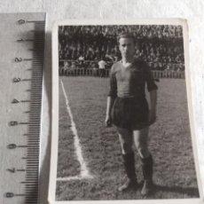 Coleccionismo deportivo: FOTOGRAFIA ORIGINAL JUGADOR BASORA F.C BARCELONA AÑOS 40. Lote 217372136