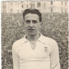 Collezionismo sportivo: FOTOGRAFÍA FIRMADA - FUTBOLISTA DEL REAL MADRID NACIDO EN TOLOSA - PEDRO MARÍA ARSUAGA - 1947. Lote 218189203