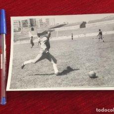 Coleccionismo deportivo: R10402 FOTO FOTOGRAFIA ORIGINAL DE PRENSA JOSÉ MARIA SÁNCHEZ LAGE DEPORTIVO CORUÑA OVIEDO VALENCIA. Lote 221651668