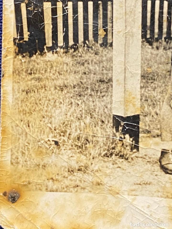 Coleccionismo deportivo: FOTOGRAFIA PORTERO JUGADOR FUTBOL PANTALON CORTO AÑOS 30 40 10X7CMS - Foto 3 - 222051678