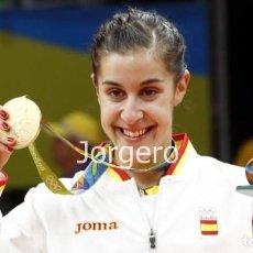 Coleccionismo deportivo: CAROLINA MARÍN. MEDALLA DE ORO JJ.OO. RÍO DE JANEIRO 2016. FOTO. Lote 223016378