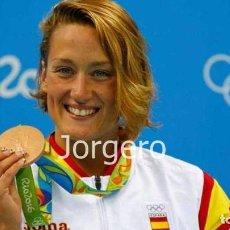 Coleccionismo deportivo: MIREIA BELMONTE. MEDALLA DE ORO JJ.OO. RÍO DE JANEIRO 2016. FOTO. Lote 223016735