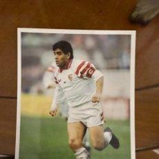 Coleccionismo deportivo: MARADONA. Lote 228224758