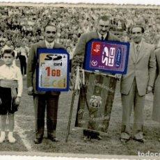 Coleccionismo deportivo: FOTOGRAFIA FCB BARCELONA - BARÇA - PENYA SARDANISTA - SENYERA - ESTANDARTE - 1949. Lote 232623330