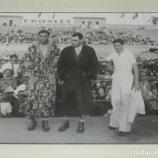 Coleccionismo deportivo: (M) ESPECTACULAR FOTOGRAFÍA ORIGINAL BOXEO COMBATE PAULINO UZCUDUN / MAX SCHMELING II 1934 MONTJUIC. Lote 234293705