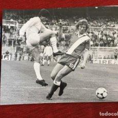 Coleccionismo deportivo: F12907 FOTO FOTOGRAFIA ORIGINAL DE PRENSA REAL MADRID RAYO VALLECANO LOPEZ. Lote 235477435