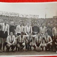 Coleccionismo deportivo: FOTO FUTBOL VALENCIA CF 3 SAN LORENZO DE ALMAGRO DE ARGENTINA 1 EN MESTALLA 1963 ORIGINAL FF8. Lote 236199665