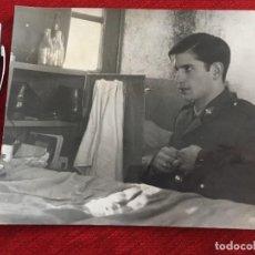 Coleccionismo deportivo: F13527 FOTO FOTOGRAFIA ORIGINAL DE PRENSA SOLDADO REAL MADRID MIGUEL PEREZ (10-7-1968)EJERCITO. Lote 237542515