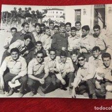 Coleccionismo deportivo: F13528 FOTO FOTOGRAFIA ORIGINAL DE PRENSA SOLDADO REAL MADRID MIGUEL PEREZ 1968 EJERCITO. Lote 237542705