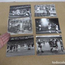 Coleccionismo deportivo: LOTE 6 ANTIGUA FOTOGRAFIA DE EXPULSION JOHAN CRUYFF EN PARTIDO BARÇA MALAGA, EUROPA PRESS. ORIGINAL. Lote 240126970