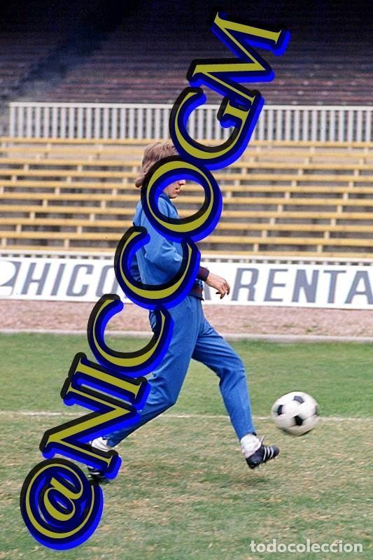 KURT JARA FIFA VALENCIA BARCELONA FOTOGRAFIA FUTBOL JUGADOR 10X15 CENTIMETROS BUENA CALIDAD (Coleccionismo Deportivo - Documentos - Fotografías de Deportes)